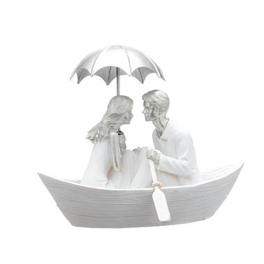 Пара Влюбленных под Зонтом в Лодке (Полистоун)